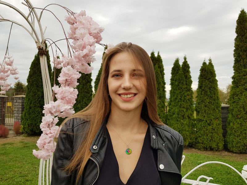"INTERVIU CU RUXI, ELEVĂ ÎN CLASA A XII-A LA COLEGIUL NAȚIONAL ""LIVIU REBREANU"", BISTRIȚA"