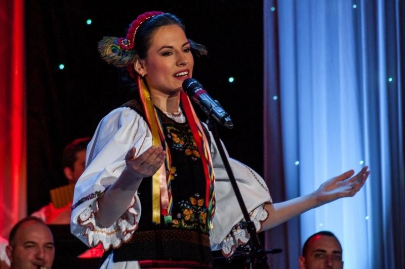 VLĂDUȚ SĂRMAȘ ȘI ANAMARIA MARTI, PE PODIUM LA FESTIVALUL LUCREȚIA CIOBANU