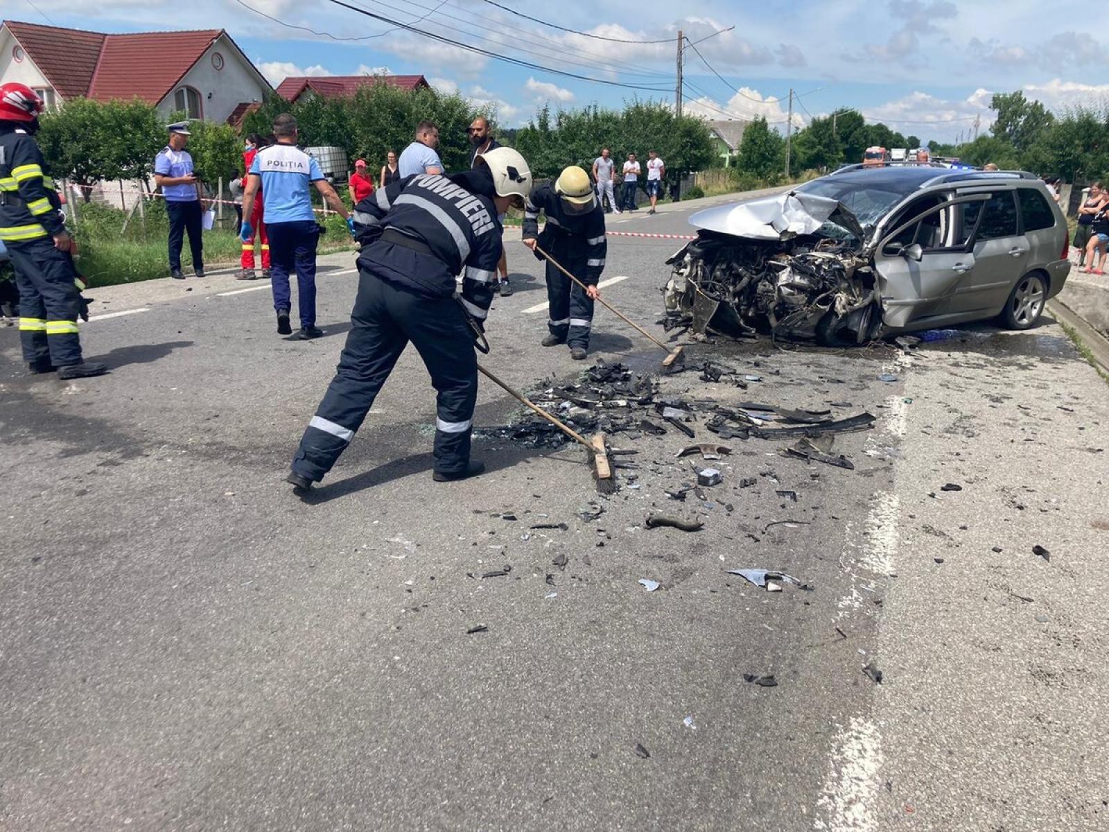 GRAV ACCIDENT LA ȘIEU MĂGHERUȘ. O FEMIE GRAVIDĂ A DECEDAT
