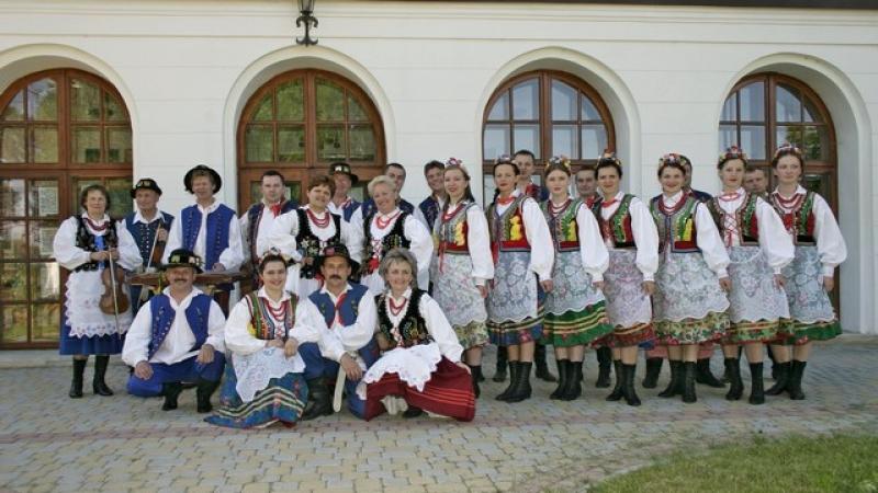 """POLONIA - PARTICIPĂ ÎN ACEST AN LA EDIȚIA CU NUMĂRUL 23 A FESTIVALULUI INTERNAȚIONAL DE FOLCLOR """"NUNTA ZAMFIREI"""" !"""