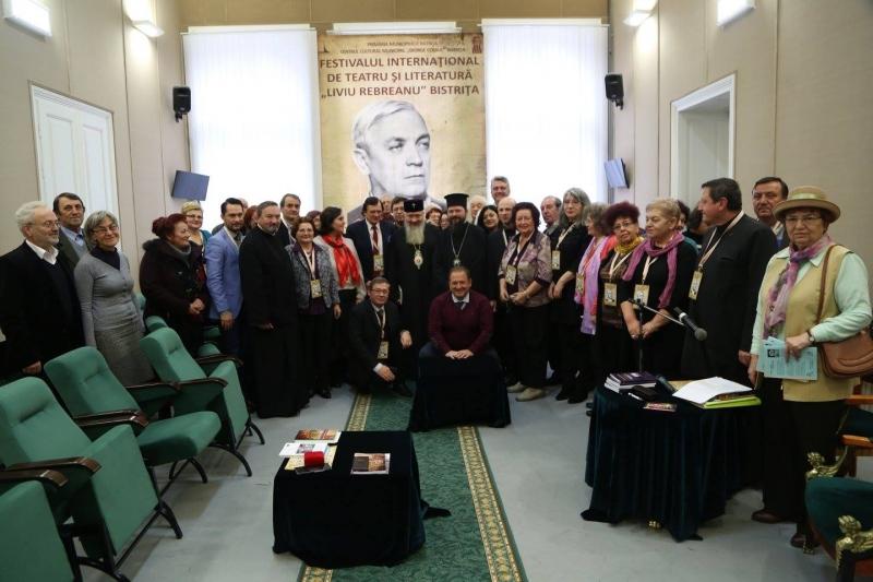 """MITROPOLITUL ANDREI ANDREICUȚ ȘI EPISCOPUL MACARIE AU ÎNNOBILAT FESTIVALUL """"LIVIU REBREANU"""""""